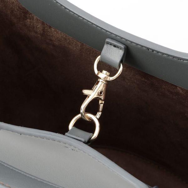 トライアングルバケットトートバッグ