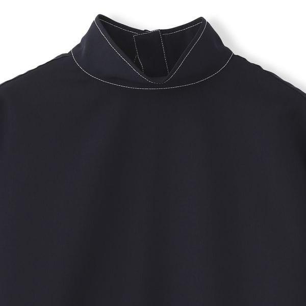 バックボタンシャツ